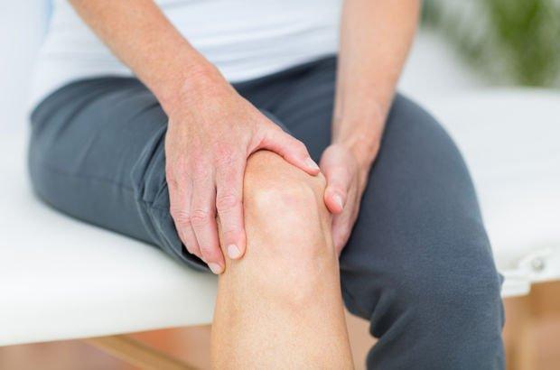 Bacak ve ayak ağrısı koronavirüse işaret mi?