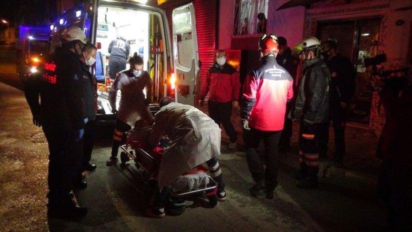 Evde doğum yapan kadını ekipler kurtardı