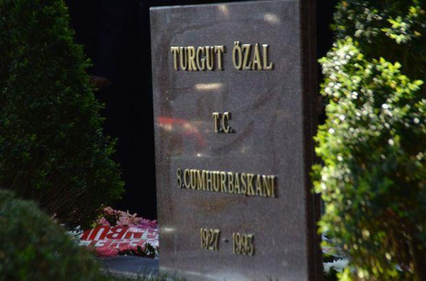 Turgut Özal kabri başında anıldı