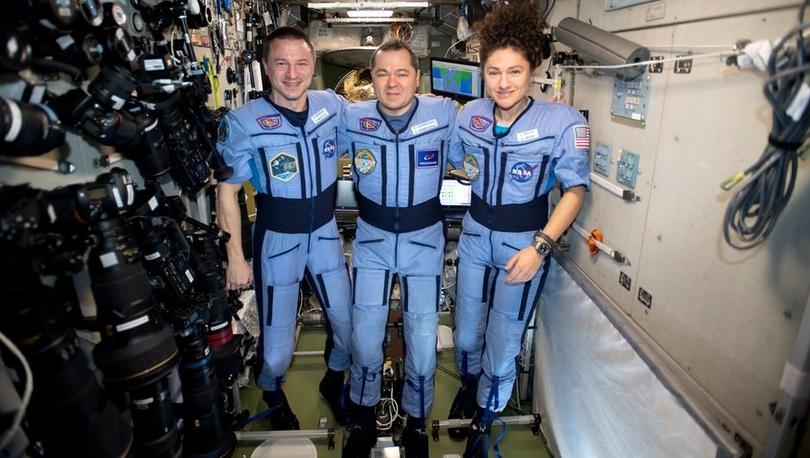 Koronavirüs: Uzay İstasyonu mürettebatı geçen yıl bıraktığından çok farklı bir dünyaya döndü