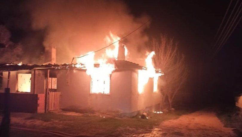 Kütahya'da tek katlı evde yangın