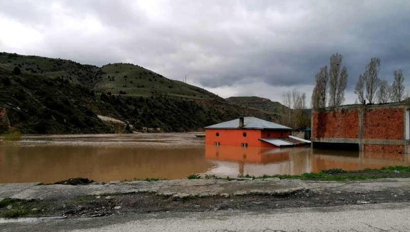 Karakurt HES Barajı su tutmaya başlayınca bazı evler su altında kaldı