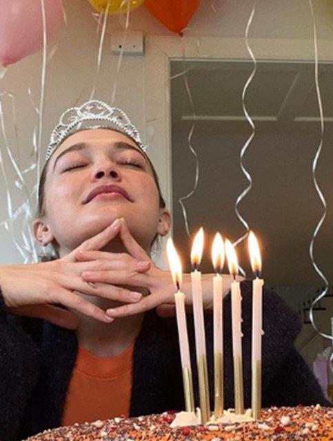 Gigi Hadid'den 25 yaş kutlaması - Magazin haberleri