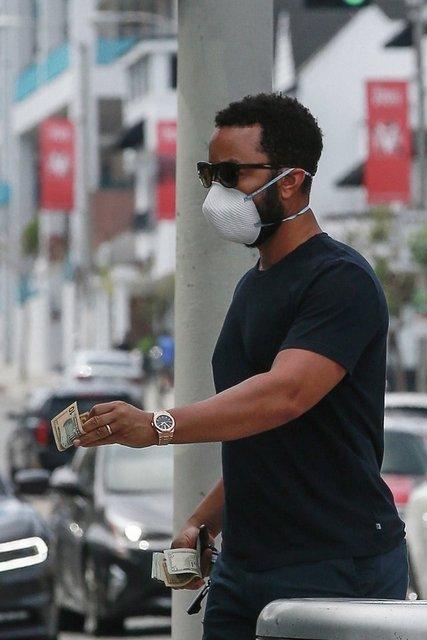 John Legend'ın sadakasına 'pinti' yorumu - Magazin haberleri