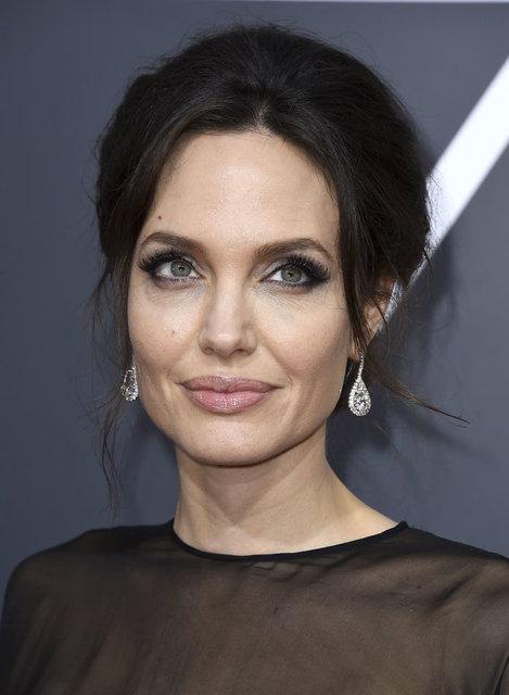 Angelina Jolie: Mükemmel ebeveyn olmak imkansız - Magazin haberleri