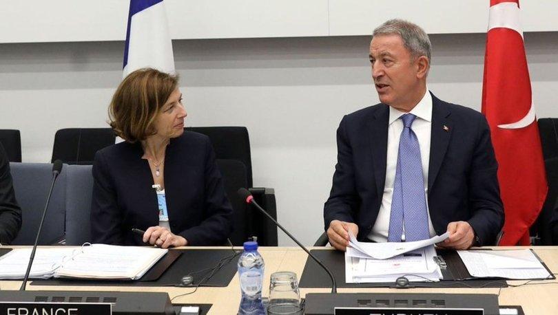 Bakan Akar, Fransa Savunma Bakanı Parly ile görüştü