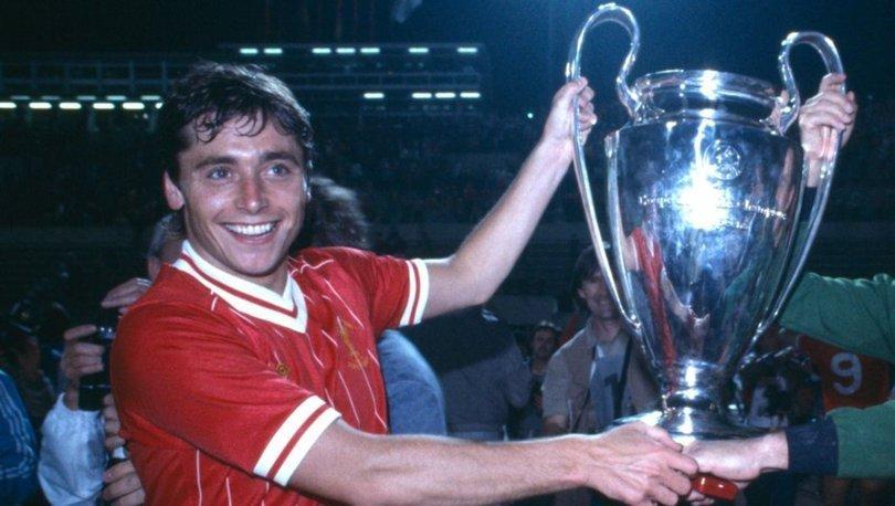 Liverpoollu eski futbolcu Michael Robinson hayata veda etti