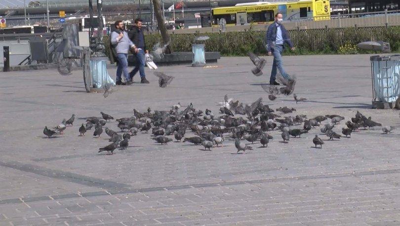 Eminönü Meydanı'da otomobiliyle güvercinleri ezdi!