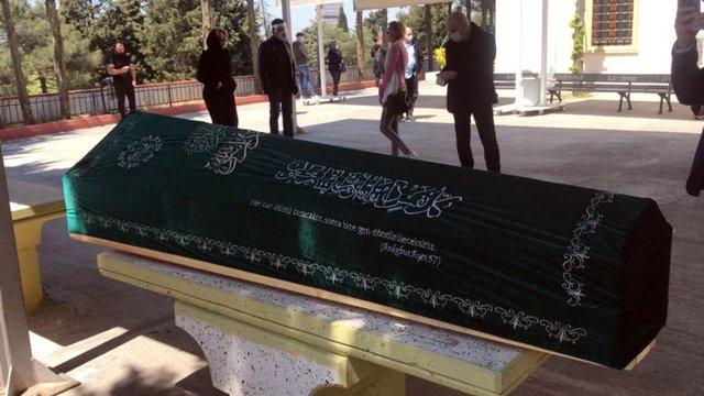 Bülent Ersoy'un zor günü: Bülent Ersoy'un annesi Necla Poyraz... Bakanlıktan izin alındı - Magazin haberleri