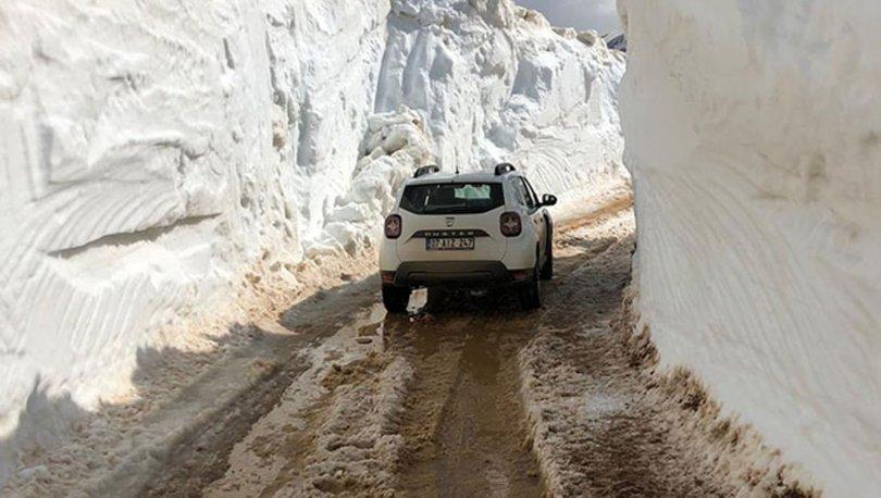 Antalya'yı metrelerce kar kapladı