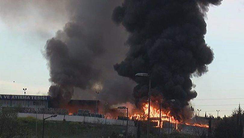 Son dakika haberler... İstanbul'da ambalaj atığı toplama ve ayırma tesisinde yangın!