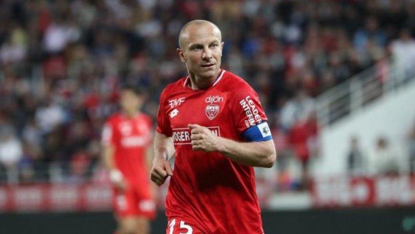 Fransız futbolcu Balmont, kariyerini sonlandırdığını açıkladı