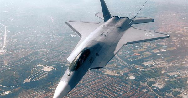 Milli Savaş Uçağında imzalar atıldı