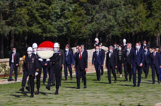 İlk tören Anıtkabir'de