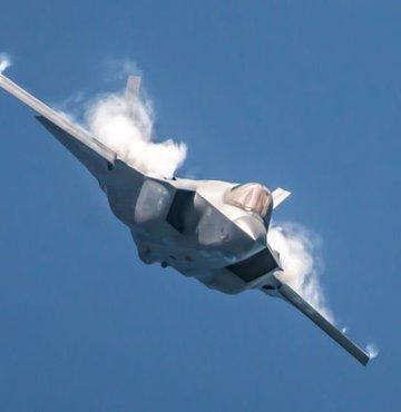 ABD Hava Kuvvetlerine bağlı bir F-35A tipi savaş uçağının Florida'da düştüğü bildirildi.