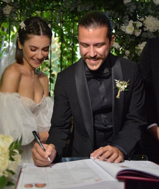 Fulya Zenginer'den eşi Kuntay Tarık Evren'e kutlama - Magazin haberleri