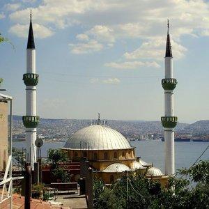 CAMİ'DE İKİNCİ PROVOKASYON!