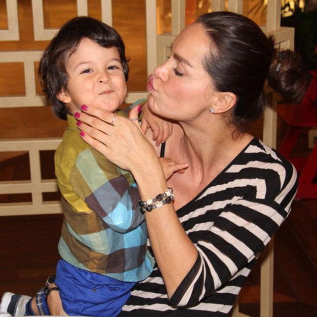 Ebru Şallı vefat eden oğlu için talepte bulundu - Magazin haberleri