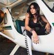 Pakistan'da dün Lahor-Karaçi seferini yapan yolcu uçağı iniş yapmaya çalıştığı sırada kentteki havaalanının yakınlarında bulunan yerleşim bölgesine düştü. Uçağın yolcu listesindeki isimler arasında, ülkenin ünlü modellerinden Zara Abid'in de bulunduğu görüldü ancak Pakistan medyasındaki bazı kaynaklar ünlü modelin kazada yaşamını yitirdiğini, bazı kaynaklar ise kurtulduğunu duyurdu