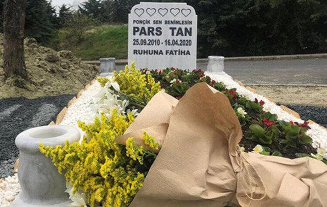 Ebru Şallı bayramda oğlu Pars'ın mezarını ziyaret etti - Magazin haberleri
