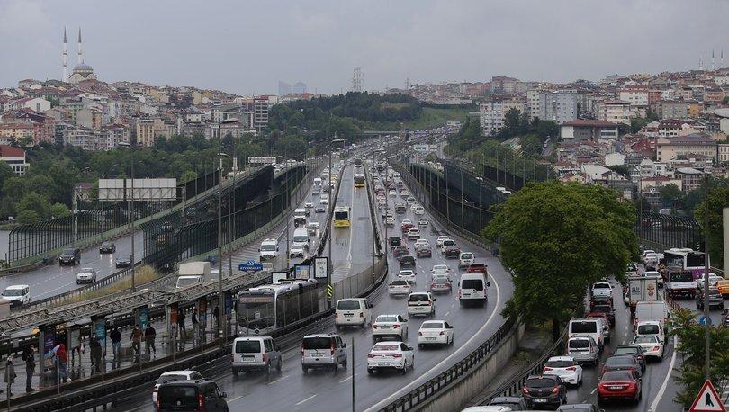 Son dakika haberler... İstanbul'da trafik bazı noktalarda durma noktasına geldi