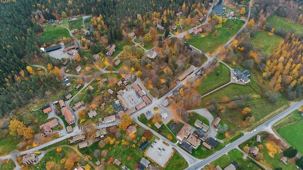 7 milyon dolara satılık İsveç köyü!