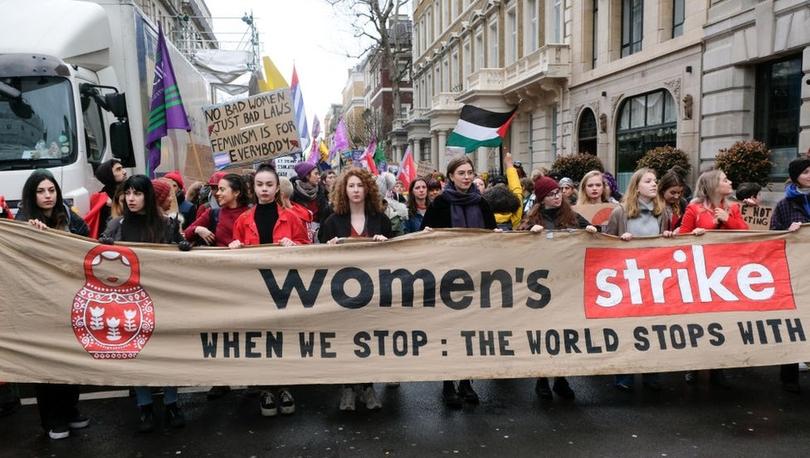 Koronavirüs: Guardian'a göre sağlık krizi nedeniyle kadınların kazanımları 'onlarca yıl geriye gidebilir'