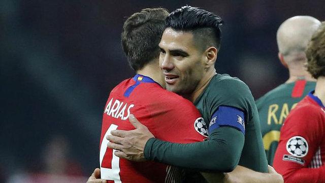 Galatasaray'dan son dakika transfer haberleri: Falcao, Santiago Arias'ı getiriyor!