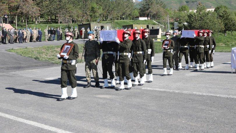 Son dakika haberler... Hakkari'de şehit 2 asker, törenle memleketlerine uğurlandı