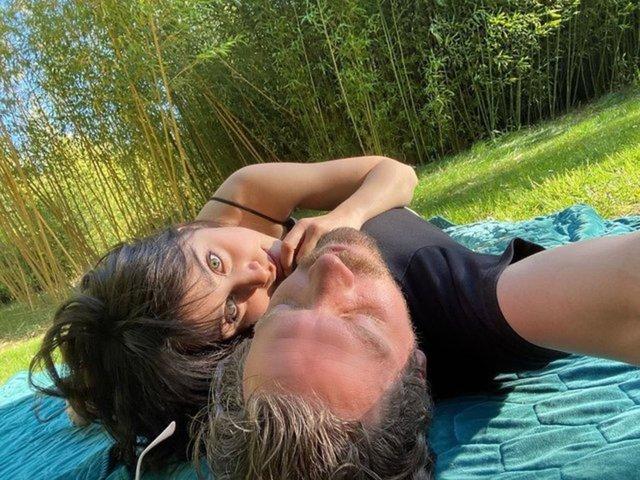 Zeynep Alkan'dan aşk pozu - Magazin haberleri