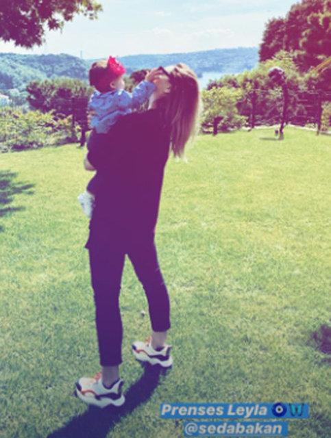 Hadise, Seda Bakan'ın kızı Leyla ile fotoğraflarını paylaştı - Magazin haberleri