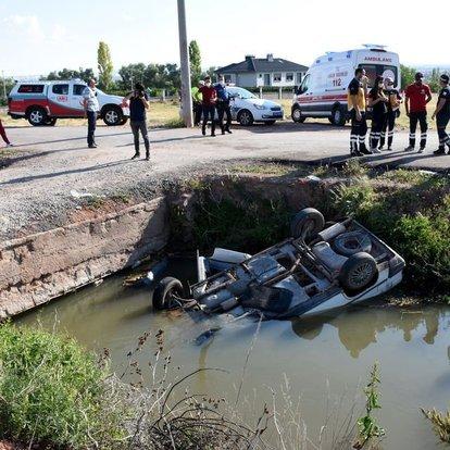 Son dakika haberler... Sulama kanalına devrilen otomobilin sürücüsü öldü!