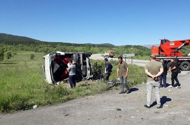 Erzincan'da yolcu otobüsü devrildi: 19 yaralı!