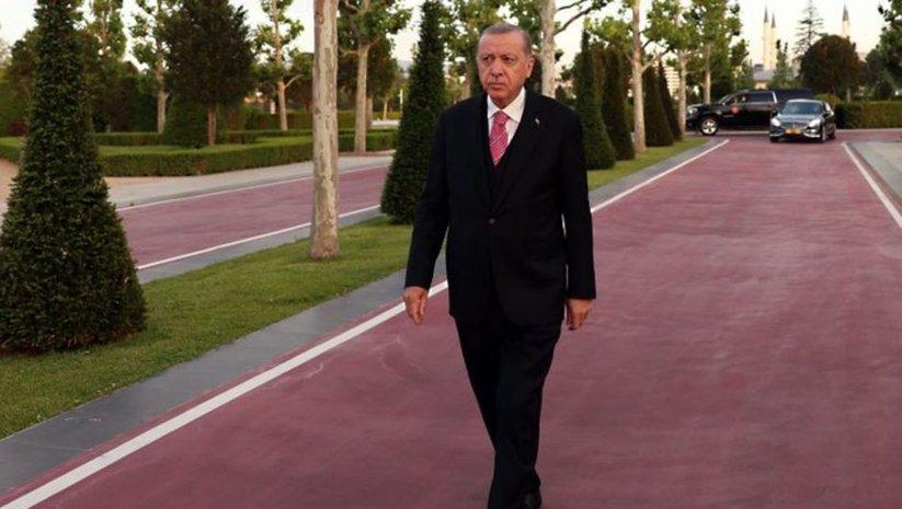 'Ankara'da mesaiye devam' paylaşımı