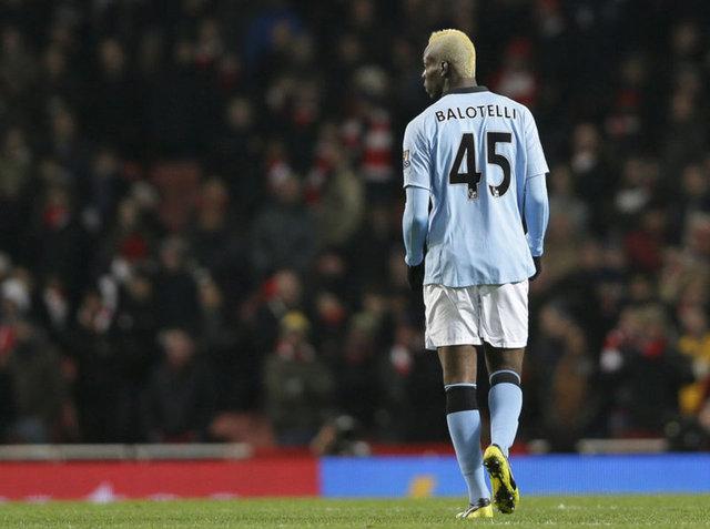Futbolun yaramaz çocuğu Balotelli - Balotelli'nin hayatı - Haberler