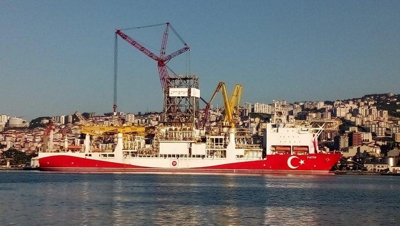 Fatih Sondaj Gemisinin sökülen 860 ton ağırlığındaki kulelerin montajı yapılıyor