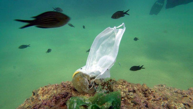 antalya sahillerinde maske ve eldiven kirliliği