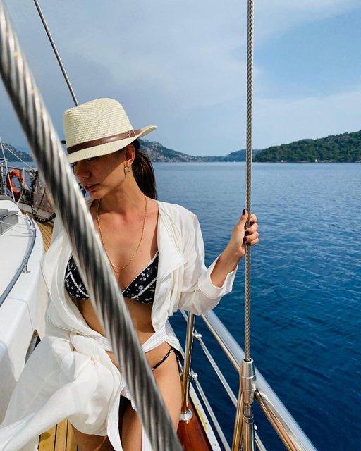 Tekne güzeli Demet Özdemir - Magazin haberleri