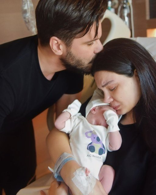 Tolgahan Sayışman eşi Almeda Abazi ve oğlu Efehan'ı paylaştı - Magazin haberleri