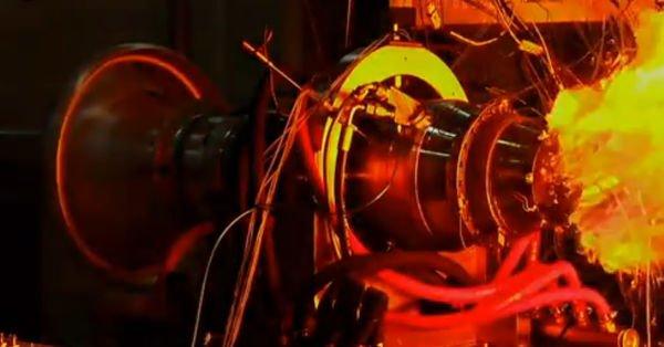 Yerli füze motoru test edildi