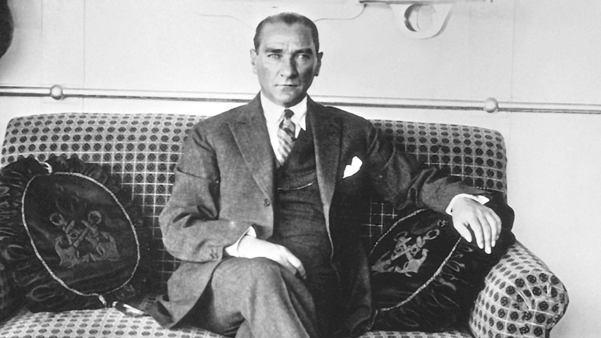 'Ekranlardaki Atatürk'