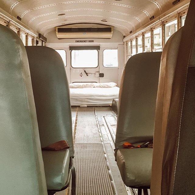 İnternetten satın aldılar... Okul otobüsünü bakın neye çevirdiler! Haberler