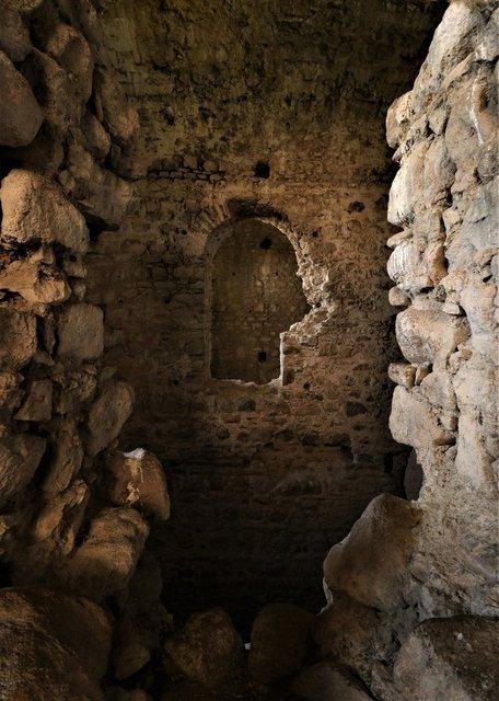 Manisa'da 800 yıllık tarihi kale yıllara meydan okuyor