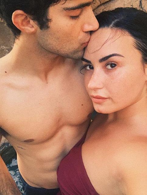 Demi Lovato'dan sevgilisi Max Ehrich'e romantik paylaşım - Magazin haberleri