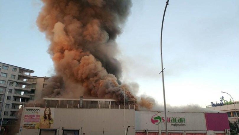 Son dakika: Batman'da alışveriş merkezinde yangın - Haberler