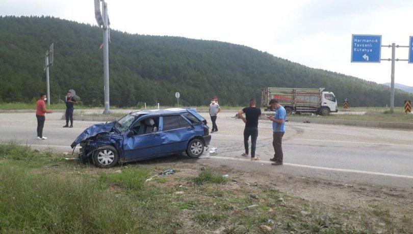 Bursa'da otomobil ile kamyon çarpıştı: 6 yaralı