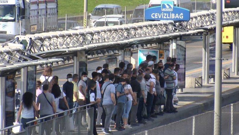 Son dakika haberler... Metrobüs durağında korkutan görüntü!