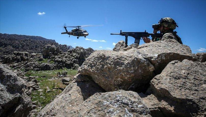 Hakkari'deki operasyonda 3 terörist silahları ile birlikte etkisizleştirildi
