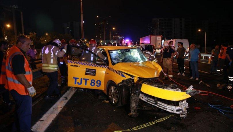 İstanbul'da taksi ile otomobil çarpıştı: 1 ölü, 2 yaralı
