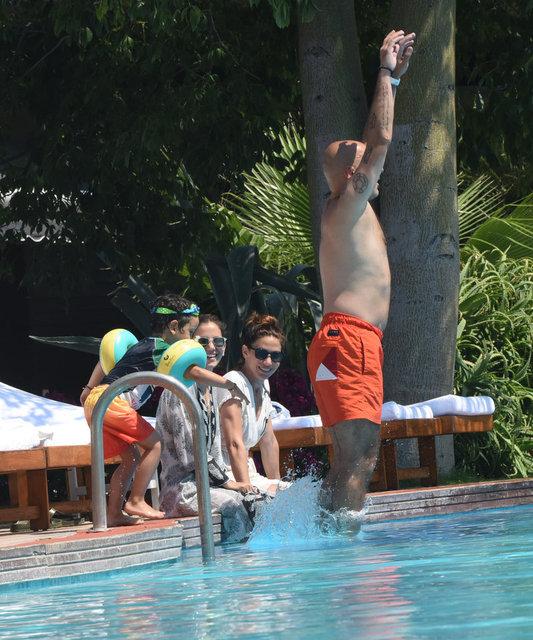 Zeynep Beşerler ve ailesinin keyifli tatili - Magazin haberleri